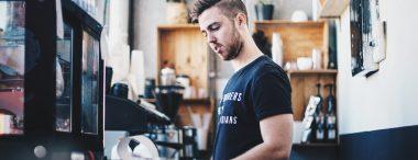 Studentenbaantjes: 6 jobs voor in het weekend