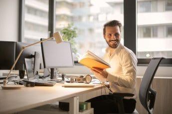 Lange werkdagen: tips om te overleven