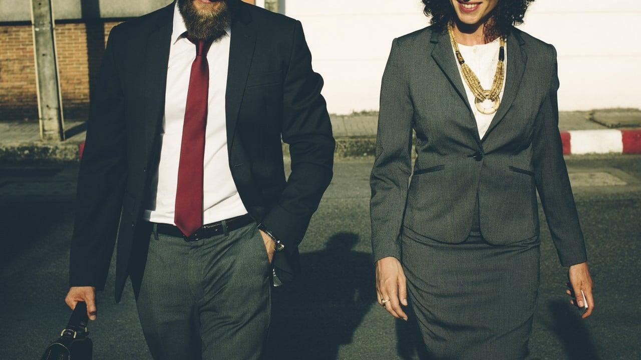 Romantiek op het werk: ben je ooit verliefd op een collega geweest?