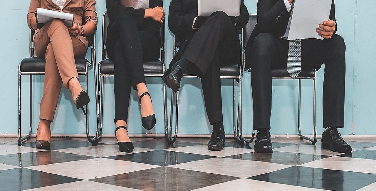 Vooroordelen zijn breed verspreid in de wereld van werving en selectie. HR-managers kunnen ze vermijden door duidelijke diversiteitsdoelen te stellen, sollicitatiegesprekken objectiever te structureren en er zelf bewuster mee om te gaan.